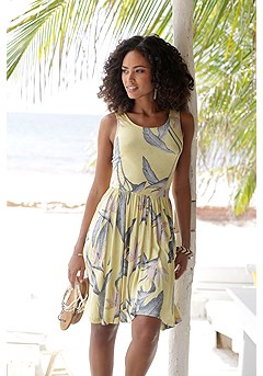Sleeveless Leaf Print Dress product image (X29110.YLMU_FV.P)