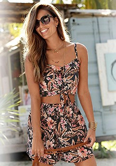Floral Crop Top, Flowy Floral Print Shorts product image (X33270.BKPR.X37035.BKPR_1)