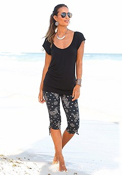 Casual V-Neck Top, Paisley Printed Capri Pants product image (X34006_BK_2)