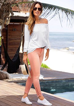 Flowy Carmen Top, Distressed Look Jeggings product image (X34124.wh.X38050.X60007.wh)