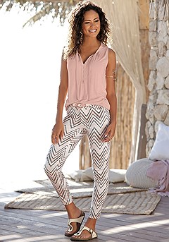 Chevron Print Jeggings product image (X38199WHPR_1)
